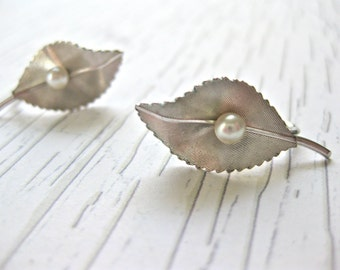 Krementz Pearl Earrings Silver Leaf with White Cultured Pearl Screw On Signed Designer