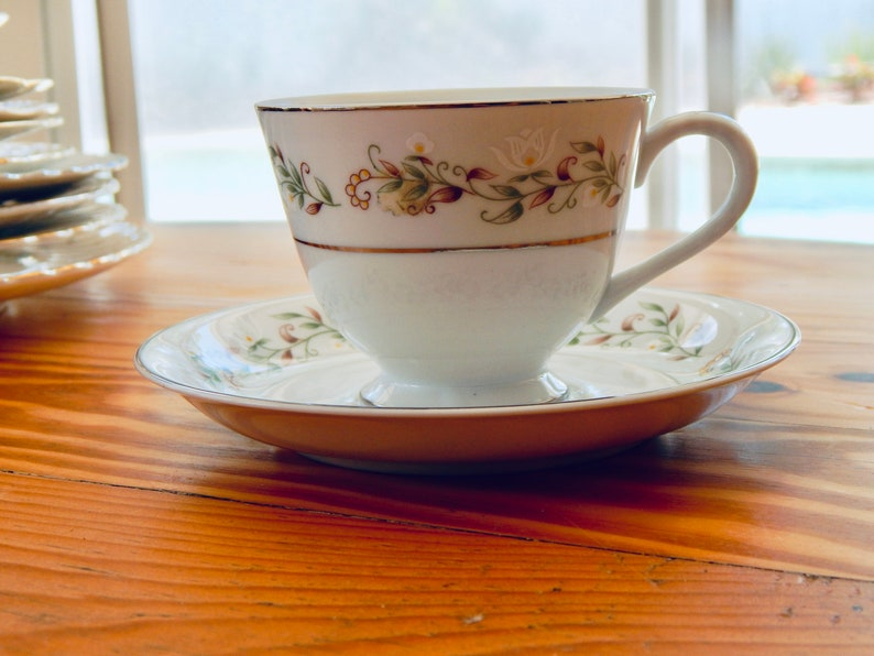 Set of 4 Vintage Teacup and Saucer Set by Brentwood Fine China in Cottonwood pattern Excellent Condition