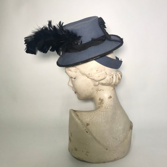Late 1930s tilt hat in airforce blue with black fe