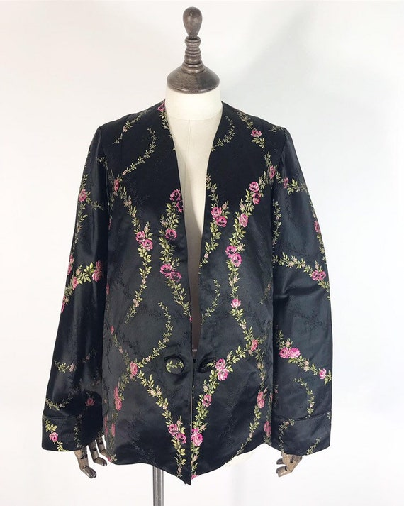 Early 1930s jacket in silk brocade with roses