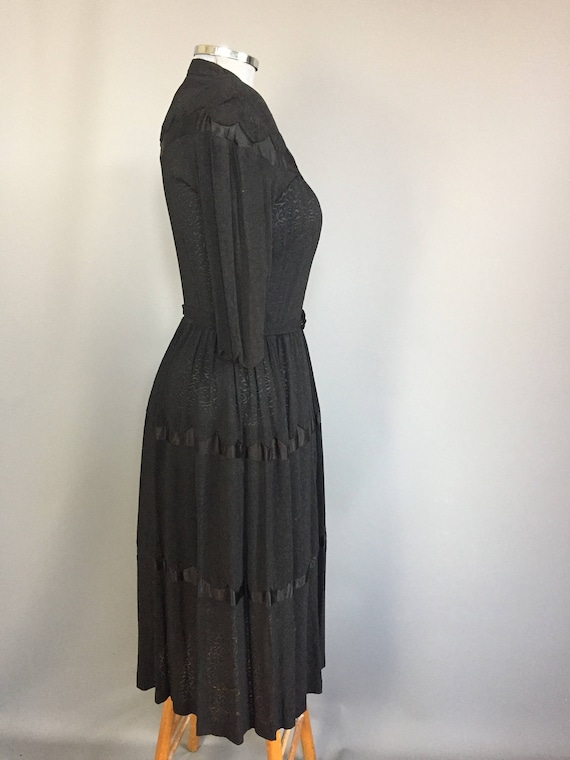 genuine 1940s dress with western influence - image 4