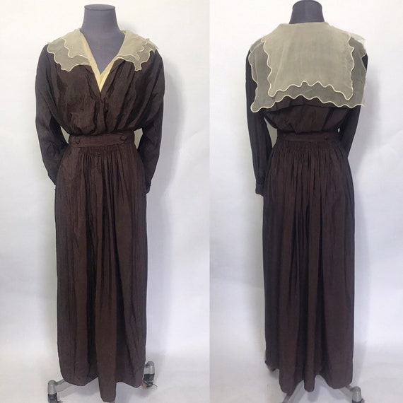 1910s dress with sailor collar