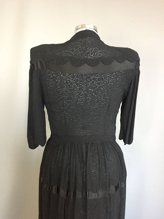 genuine 1940s dress with western influence - image 3