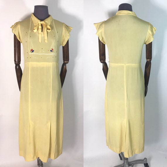 1930s dress in yellow rayon crepe