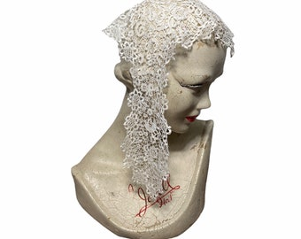 Victorian lappet cap in Honiton lace