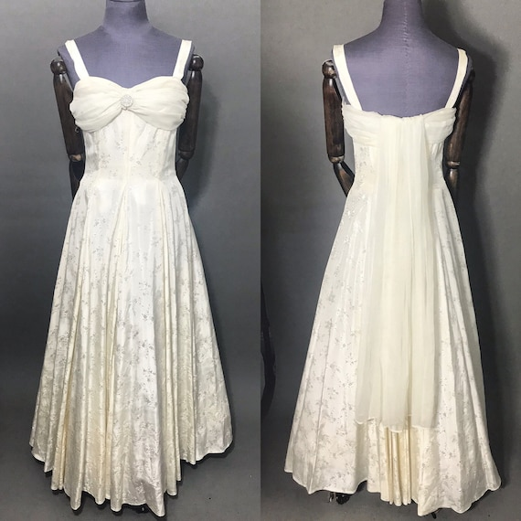 Ivory 1940s Evening Gown, late 1940s