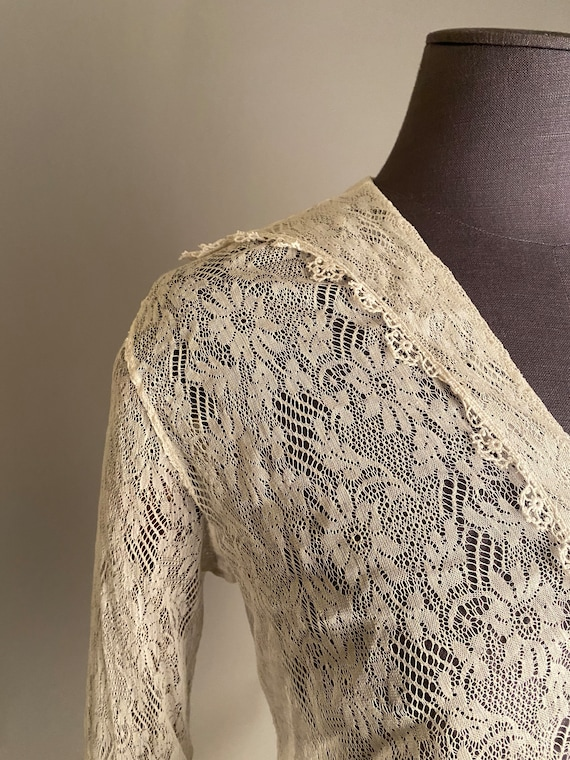 1910s lace blouse with sailor collar - image 5