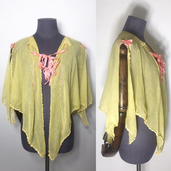 1920s bed jacket or cape