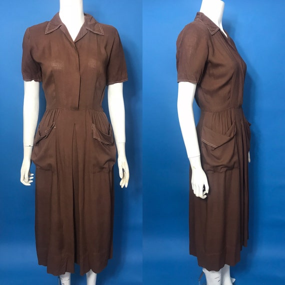 1940s day dress with slouch pockets