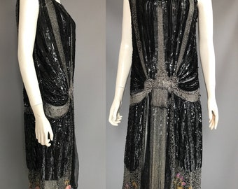 1920s sequinned dress / beaded dress/ flapper dress