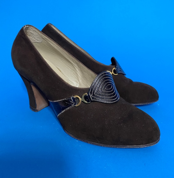 1930s shoes with art deco detail