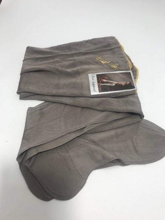1920s 1930s stockings, seamed stockings - image 2