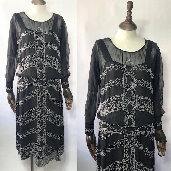 1920s beaded dress in silk chiffon, long sleeves