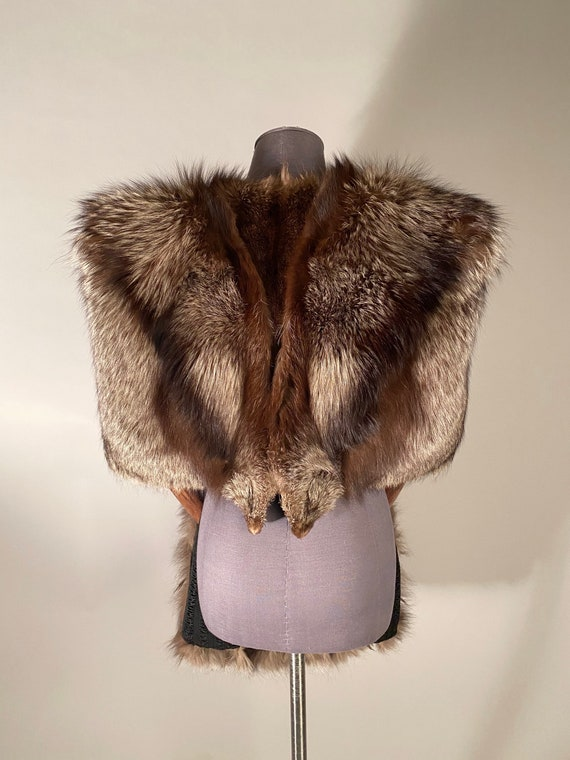 1930s fox fur cape and muff - image 2