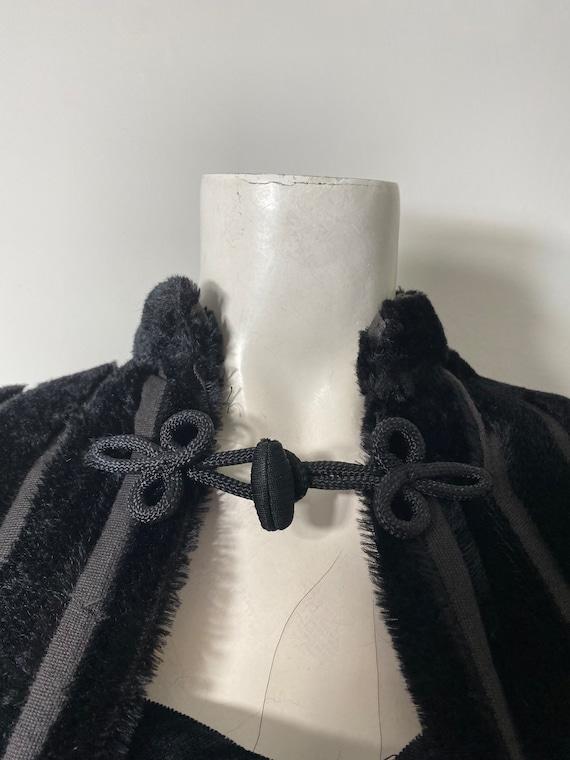 1930s cape, faux fur - image 4