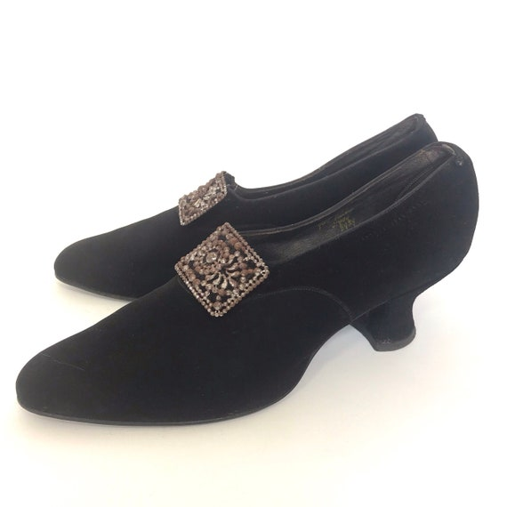 1920s shoes with louis heels and buckle