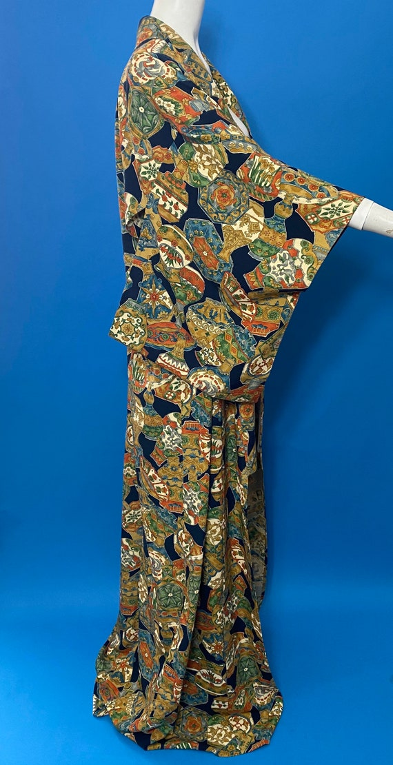 Vintage kimono with novelty print - image 2