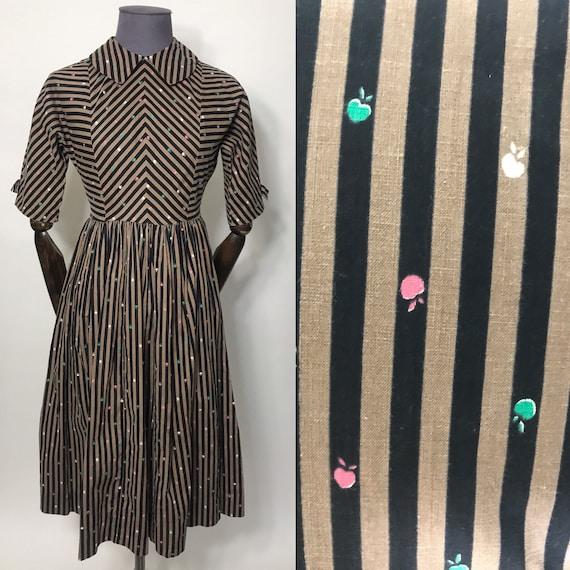 Petite 1950s novelty print dress