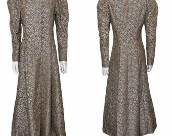 1930s evening coat in blue velvet, Marshall & Snelgrove