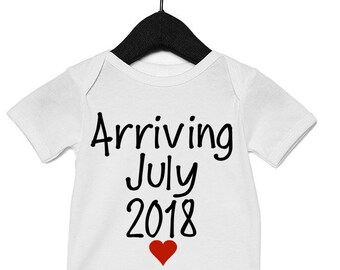 Baby announcement with month/year // pregnancy announcement // gift for new dad // pregnancy photo shoot pregnancy reveal grandma grandpa