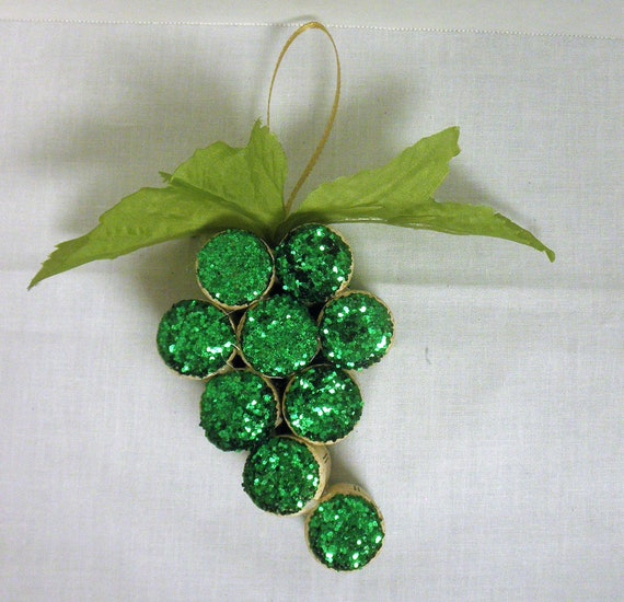 Green Grape Wine Cork Ornaments / Christmans Ornaments/ Bar decor/ Wine Lover Gift