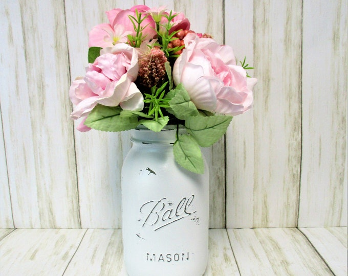 Mason Jar Centerpiece, Spring Flower Arrangement, Farmhouse Decor, Home Decor, Country Decor, Country Chic Decor, Farmhouse Decor