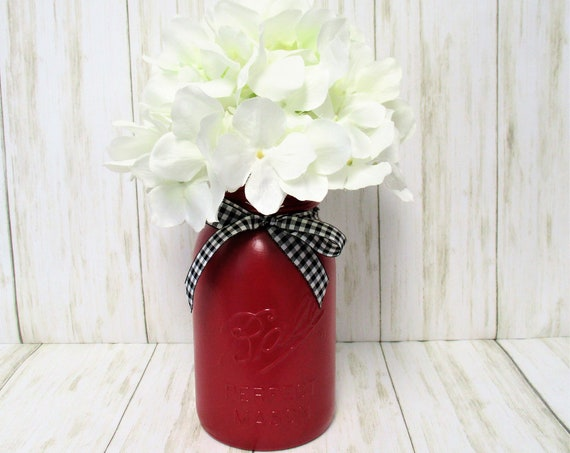 Mason Jar Centerpiece, Christmas Farmhouse Décor, Hydrangea Décor, Country Décor, Country Chic Décor,  Flower Arrangement, Gift