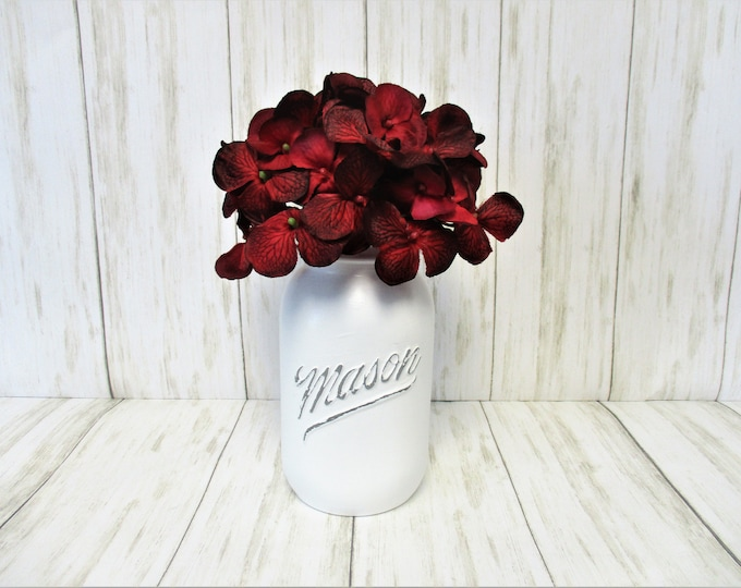 Mason Jar Centerpiece, Valentines Day Red Flower Arrangement, Vintage 1776 - 1976  Mason Jar Decor, Country Chic Decor, Farmhouse Decor