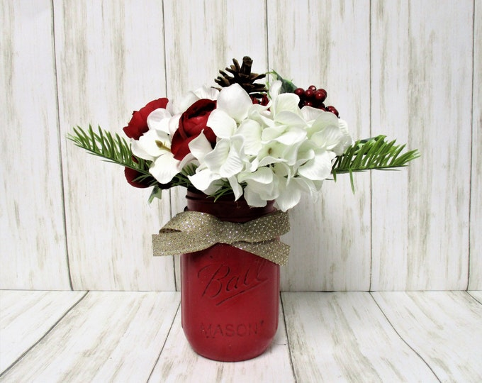 Christmas Mason Jar Centerpiece, Christmas Flowers, Christmas Decor, Holiday Centerpiece, Country Christmas, Farmhouse Christmas