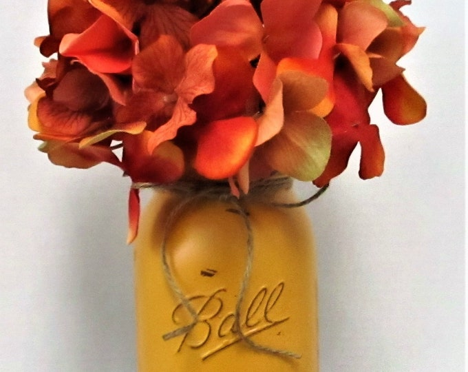 Fall Mason Jar Centerpiece, Home Decor, Flower Arrangement, Farmhouse  Decor, Country Chic, Mason Jar, Hydrangea, Thanksgiving Decor