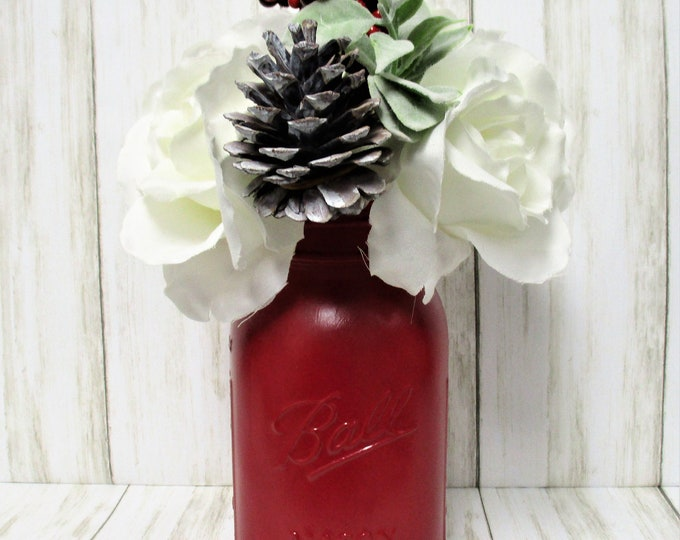 Red Christmas Centerpiece, Floral Arrangement, Shabby Chic Decor, Country Chic, Christmas Decor, Christmas Flowers