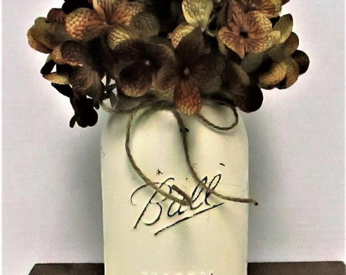 Mason Jar  Decor, Centerpiece, Flower Arrangememts, Hydrangea Flowers, Wedding Decor, Farmhouse  Decor, Country Chic, Mason Jar