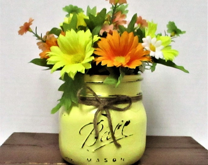 Mason Jar Centerpiece, Flower Arrangement, Country Chic, Home Decor, Shabby Chic, Spring Decor, Spring Flowers, Farm House Decor