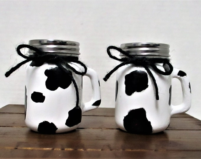 Cow Salt and Pepper Shakers, Cow Print Salt and Pepper Shakers, Country Kitchen, Farmhouse Kitchen, Spice Jars, Salt and Pepper