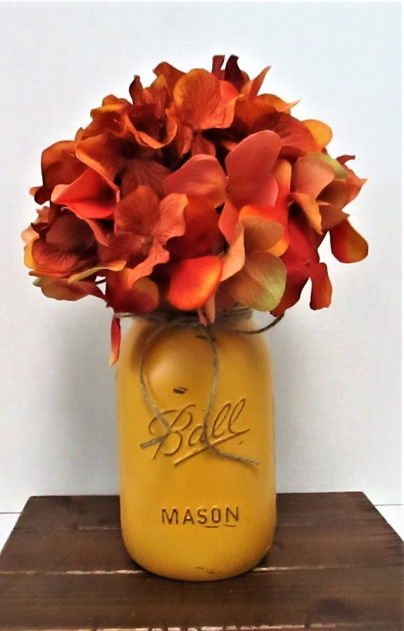 Fall Mason Jar Centerpiece, Home Decor, Flower Arrangement, Farmhouse  Decor, Country Chic, Mason Jar, Hydrangea, Thanksgiving Decor