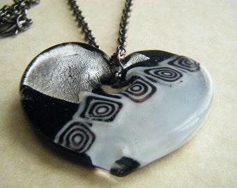 VALENTINE Heart Necklace Black Silver White