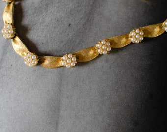 Vintage Trifari Brushed Gold Tone Faux Pearl Flower Choker Necklace
