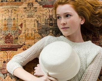 Vintage Woven White Straw Cloche Hat Raffled Organza w/Faux Pearls - Mid Century