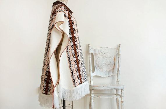 Vintage Knit Woven Fringe Cape Poncho Boho Hippie… - image 2