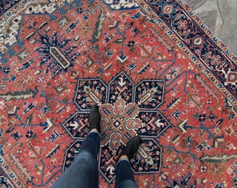 """Vintage 7'5"""" x 10'7"""" Large Medallion Floral Design Beige Navy Red Wool Pile Hand-Knotted Rug 1940s - FREE DOMESTIC SHIPPING"""