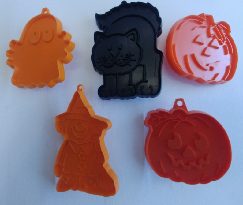 Vintage Hallmark Halloween Cookie Cutter Set Of 5