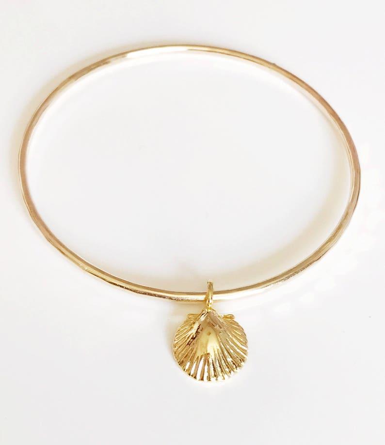 B327 beach bangle Bangle Emma shell bangle sea shell charm bangle