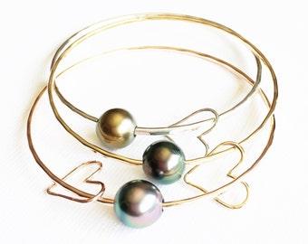 Bangle Lei - Tahitian pearl bangle - heart charm bangle- 14ga bangle- Tahitian pearl bracelet- Beach jewelry. ( B102)