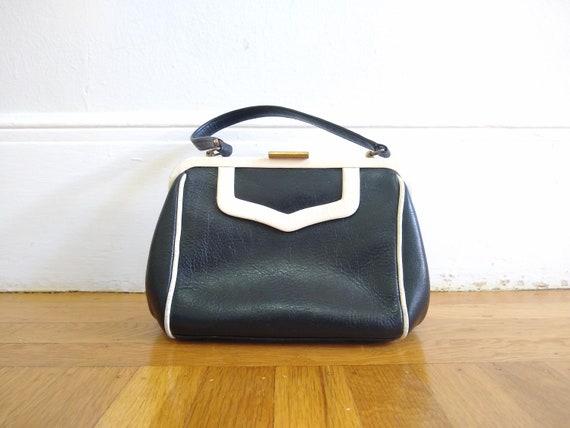 Vintage top handle 1960s leather bag