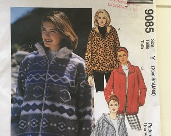 Very Easy OOP VOGUE 8638 Misses Fitted Lined Tops or Vests PATTERN 8-10-12 UC