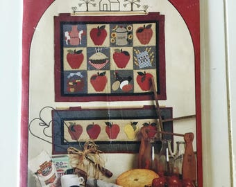 American as Apple Pie Wall Quilt Sewing Pattern UC FF Uncut