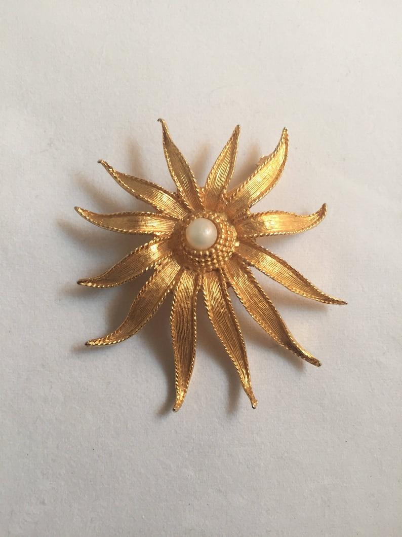 Vintage Gold Mid-century Flower Brooch image 0