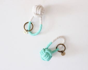 Rope Knot Keychain / turquoise