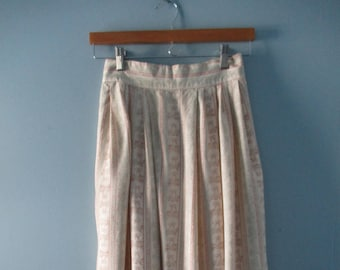 1980's Pretty Pastel Midi Skirt / Pleated skirt with floral ribbon print/ Hight waisted skirt / Size XS to small