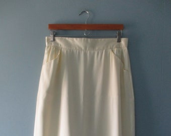 Vintage Allure Canada butter cream pencil skirt with pockets / Union made vintage midi skirt / size large 15/16